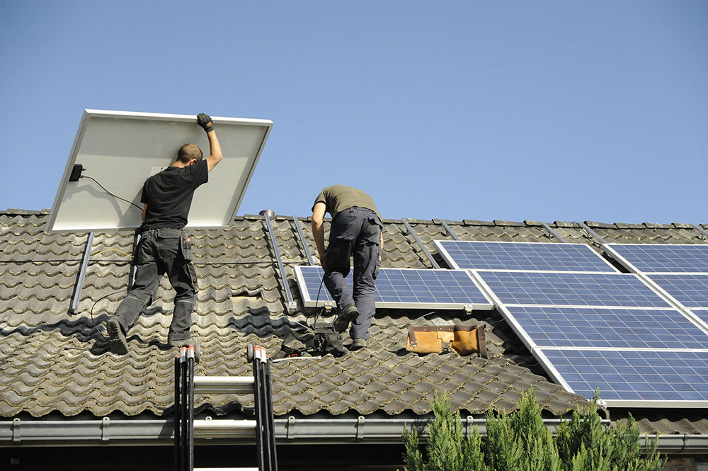 roof solar installation with workers what happened to seto